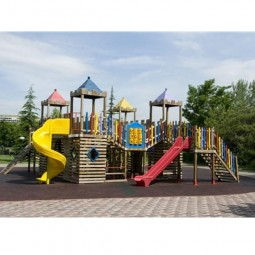 Ahşap Dört Kule Oyun Parkı